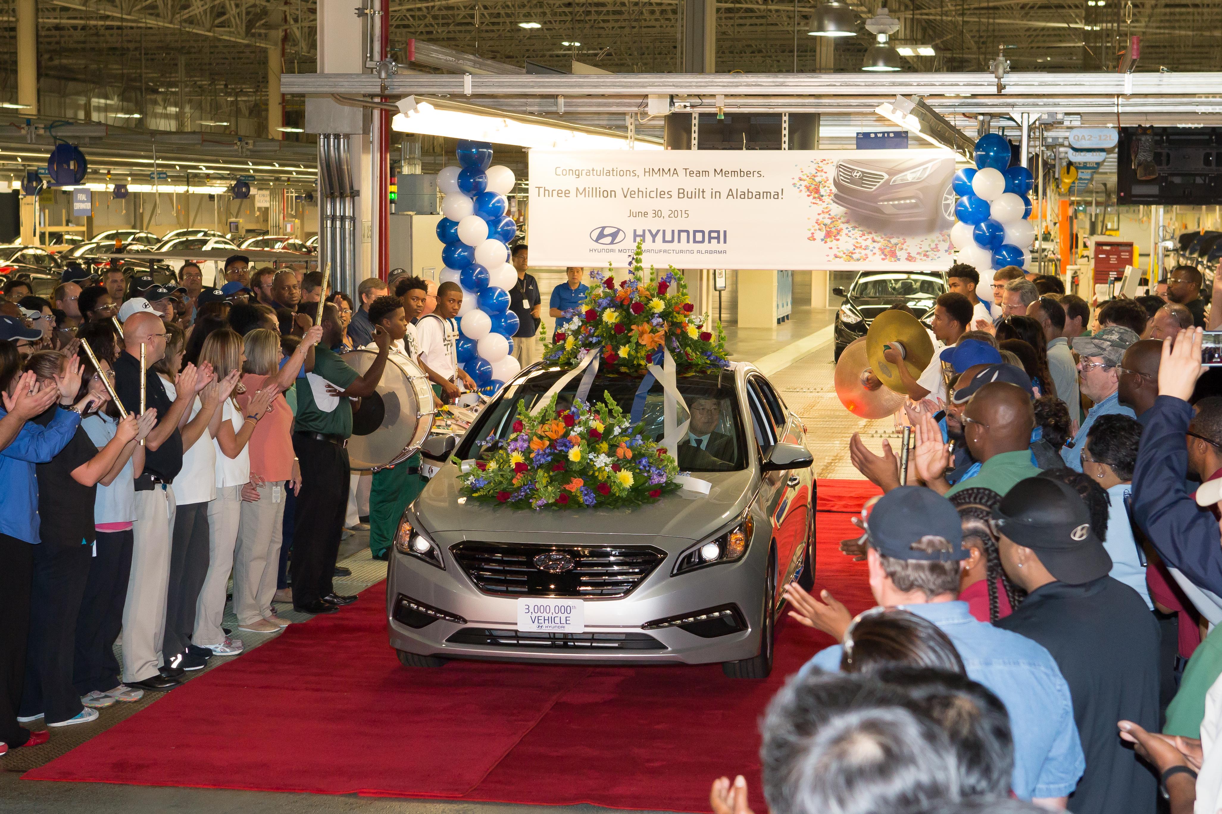 Hyundai to add santa fe sport to alabama production lineup for Motor vehicle division santa fe