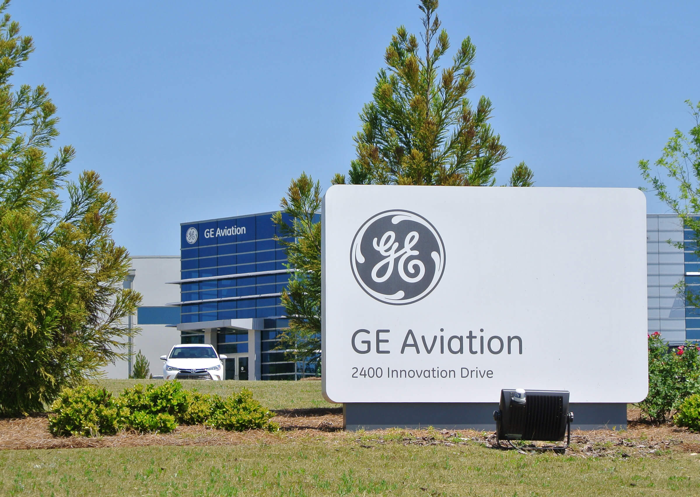 GE Aviation orders at Paris Air Show to boost Alabama operations