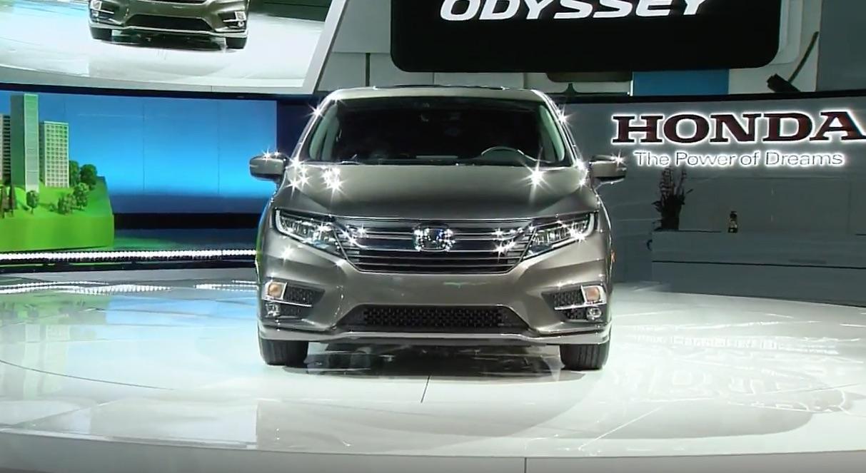 Hondas Alabamamade Odyssey Takes Center Stage At Detroit Auto Show - Honda center car show