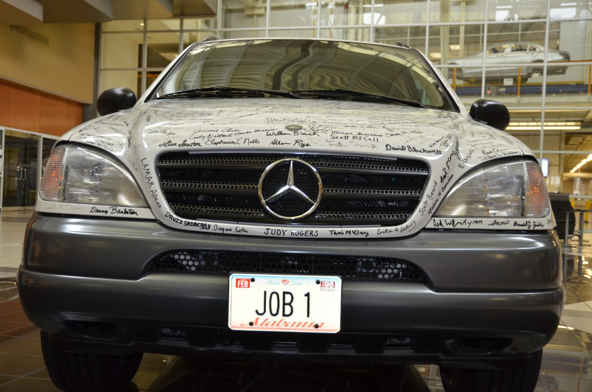 History alabama auto production races past 10 million mark for Mercedes benz alabama jobs