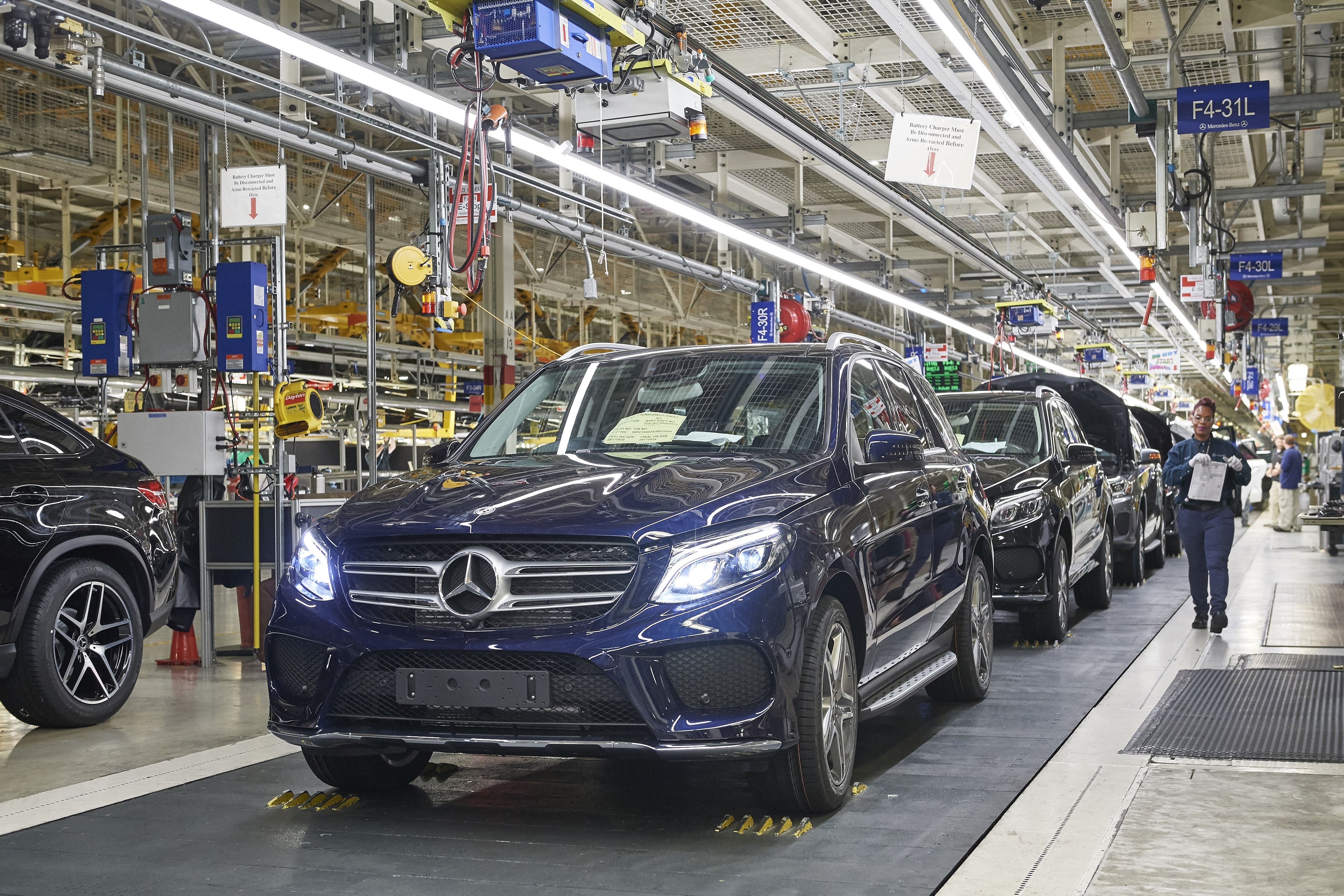 mercedes to launch electric vehicle production in 1b