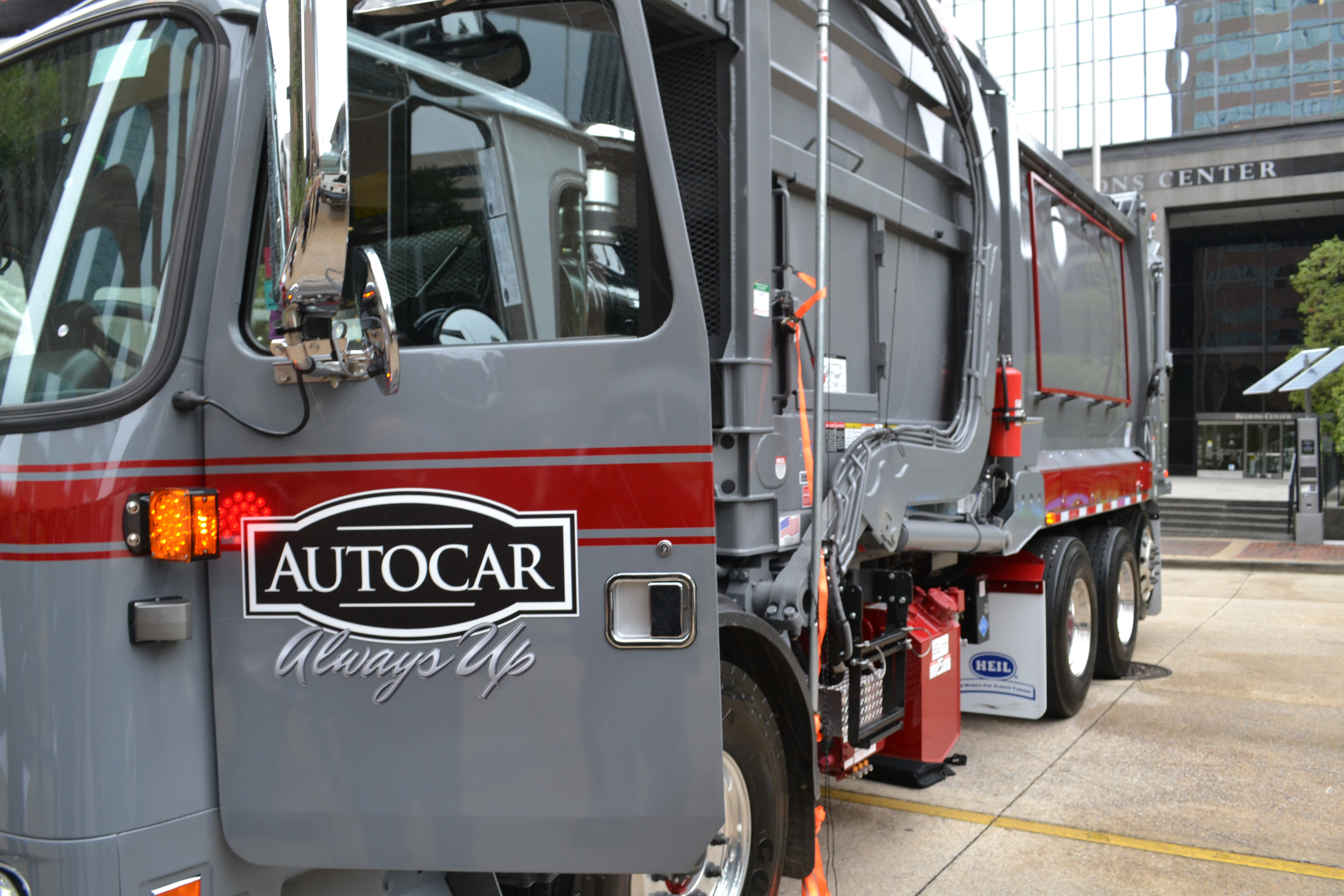 659a53e379 Autocar chooses Alabama for  120 million truck assembly plant